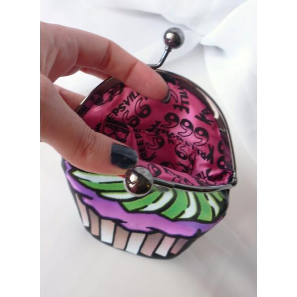 cupcake_skull_purse_purses_and_handbags_3.jpg