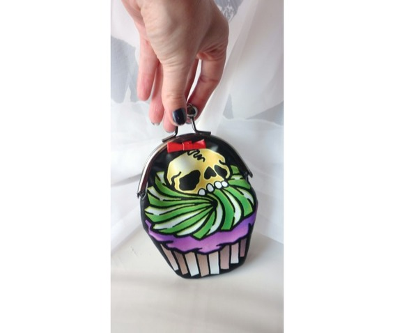 cupcake_skull_purse_purses_and_handbags_2.jpg