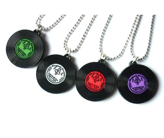 green_vinyl_necklace_disc_lp_rockabilly_music_necklaces_2.JPG