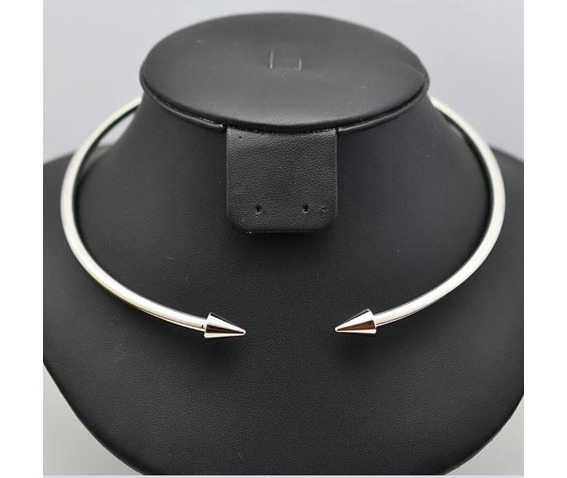 solid_pointed_arrow_choker_necklace_necklaces_4.JPG