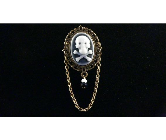 gothic_skull_and_crossbones_brooch_brooches_2.JPG