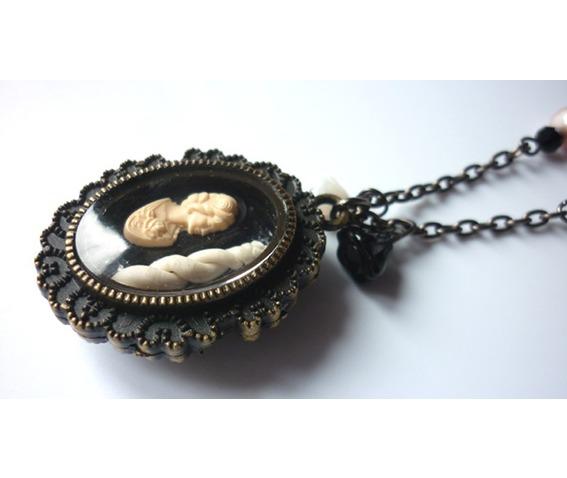 the_lady_unicorn_shadowbox_reliquary_reversible_necklace_necklaces_3.JPG