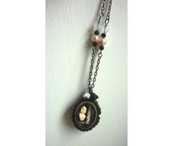 the_lady_unicorn_shadowbox_reliquary_reversible_necklace_necklaces_2.JPG