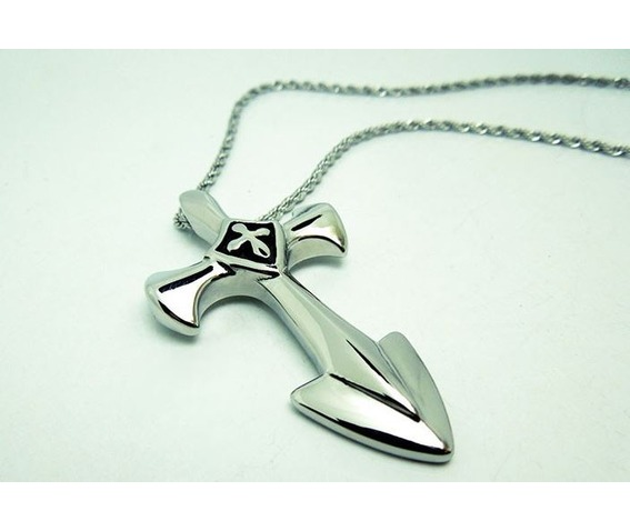 mens_stainless_steel_gothic_cross_pendant_necklace_necklaces_3.JPG