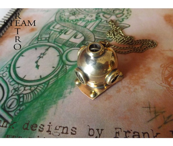 steampunk_necklace_the_argonaut_diving_helmet_steampunk_jewellery_steamretro_necklaces_4.jpg