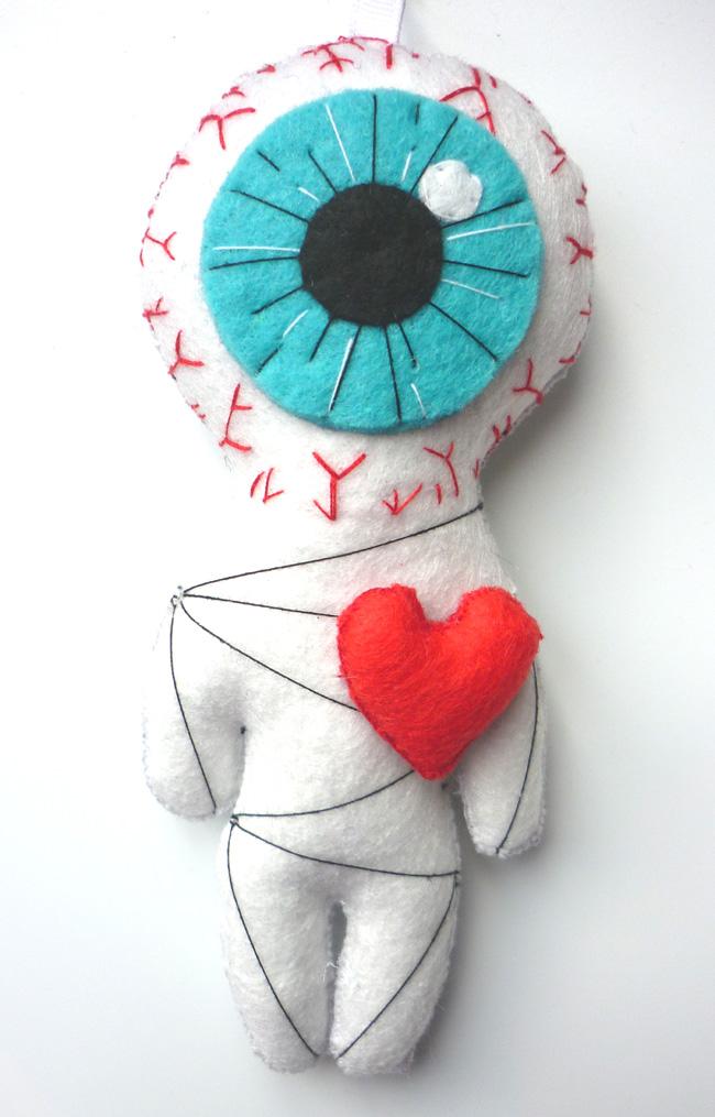 the_cyclop_love_white_voodoo_little_felt_doll_geek_toy_keychain_doll_toys_6.JPG