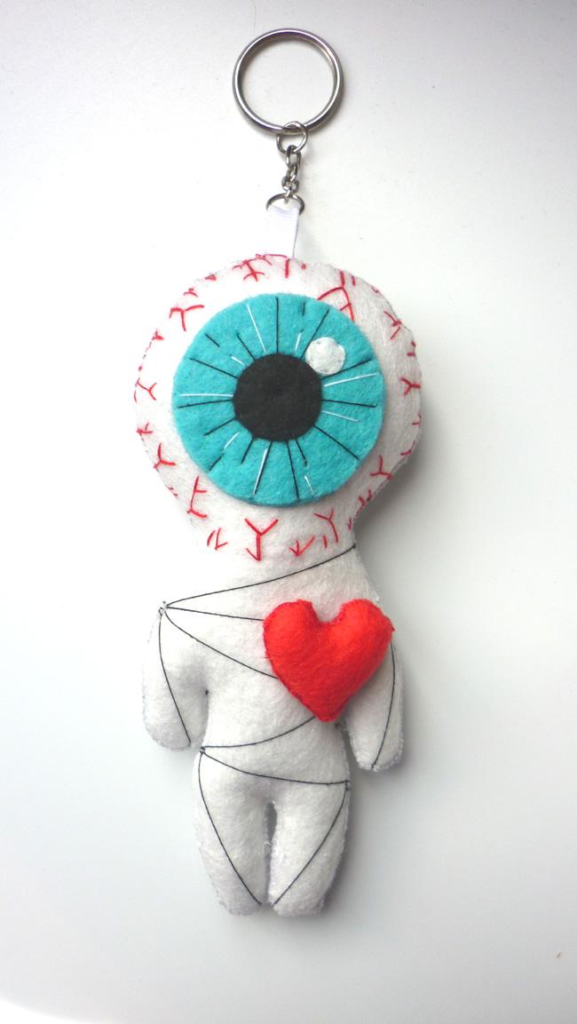 the_cyclop_love_white_voodoo_little_felt_doll_geek_toy_keychain_doll_toys_2.JPG