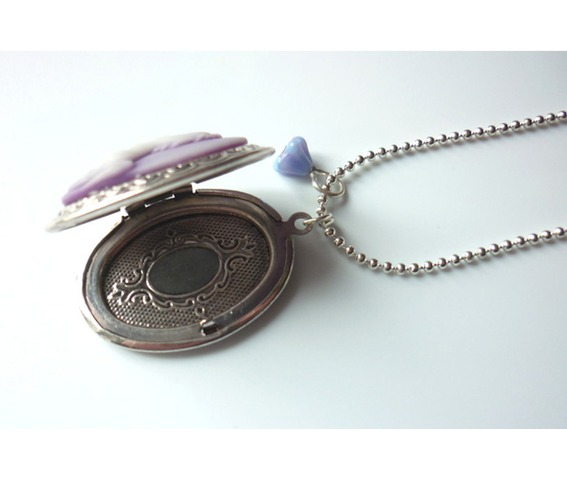mauve_unicorn_cameo_locket_necklace_elvish_whimsical_medieval_wedding_necklaces_4.JPG