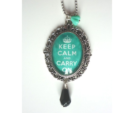 keep_calm_mint_green_necklace_tattoo_rockabilly_pin_up_crown_necklaces_5.JPG
