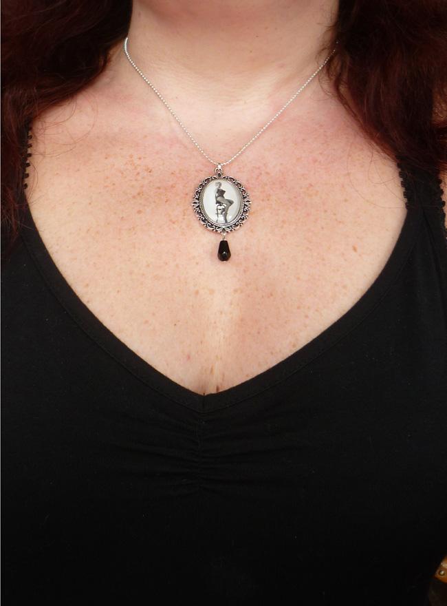marilyn_monroe_river_of_no_return_necklace_rockabilly_pin_up_retro_necklaces_4.JPG