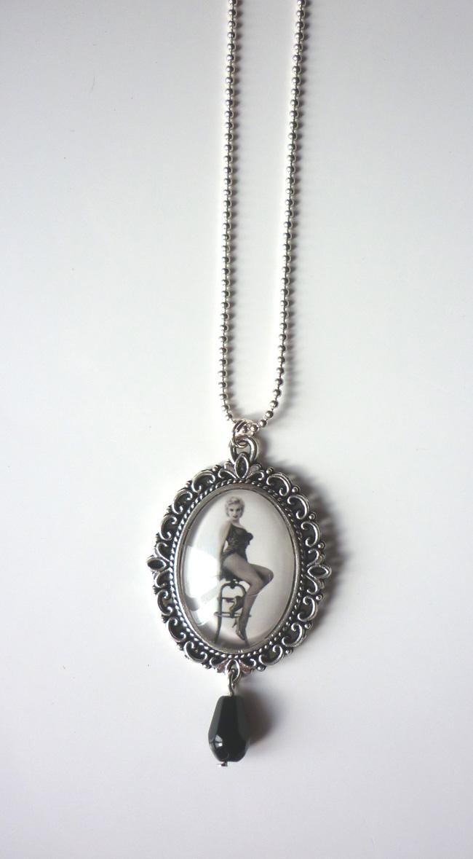 marilyn_monroe_river_of_no_return_necklace_rockabilly_pin_up_retro_necklaces_3.JPG