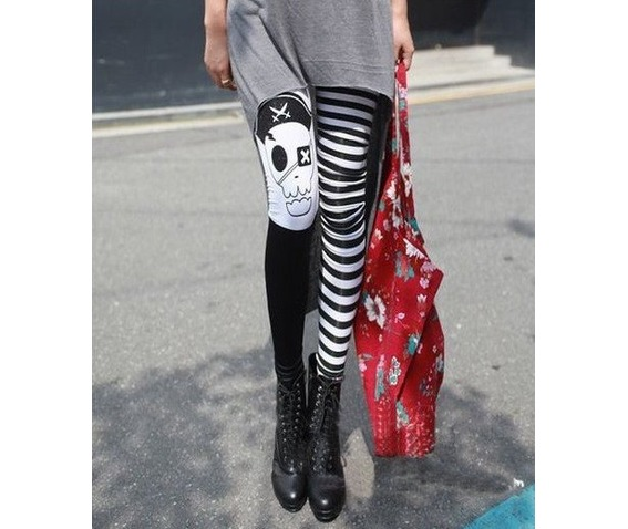 punk_pirate_skull_black_white_striped_stretchy_leggings_leggings_6.png