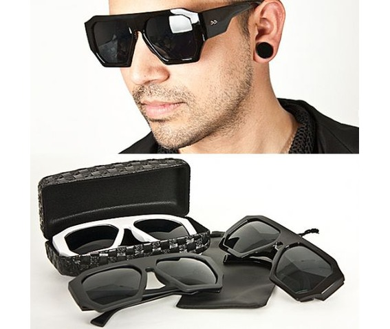 modish_uber_cool_stud_accent_over_sized_sunglasses_black__sunglasses_2.jpg