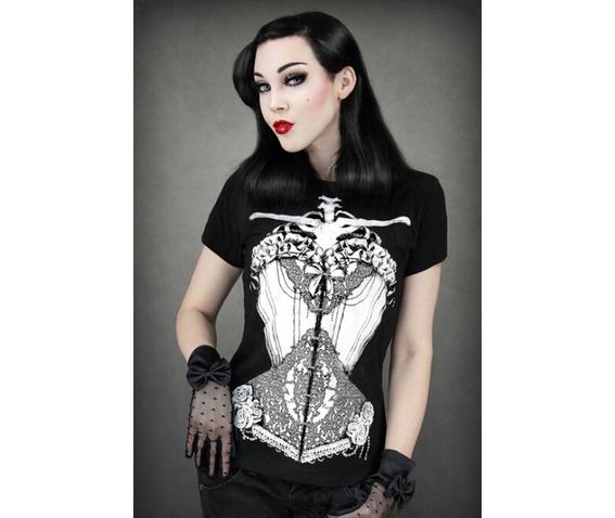 vintage_print_style_women_t_shirt_t_shirts_2.jpg