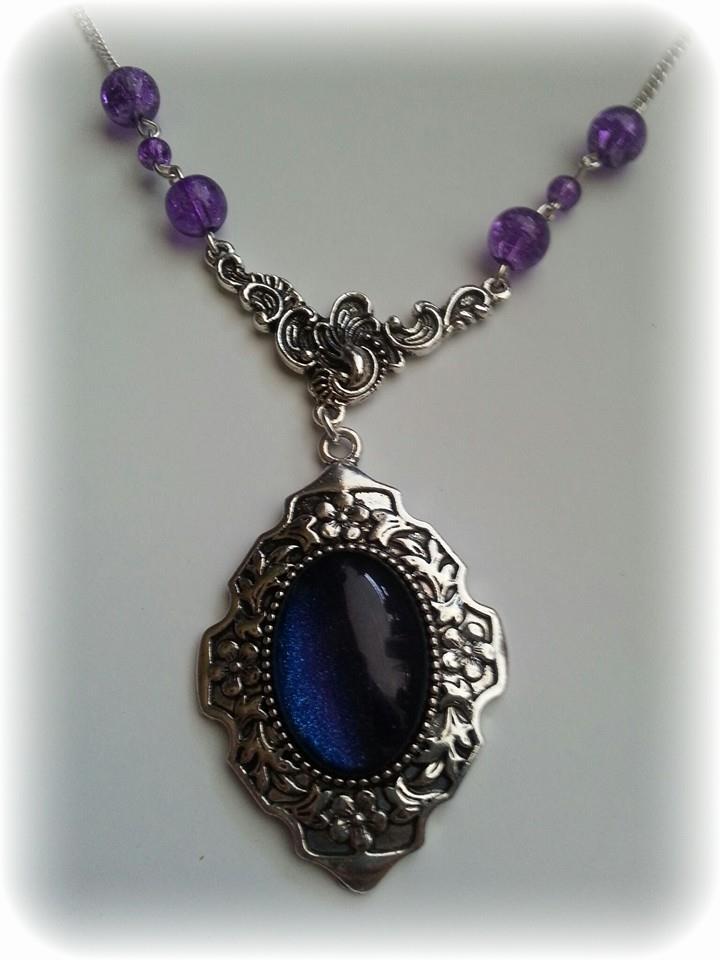 necklace_cabochon_purple_crackle_beads_necklaces_2.jpg