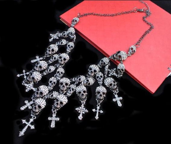 crystal_skulls_and_crosses_statement_pendant_necklace_necklaces_5.JPG