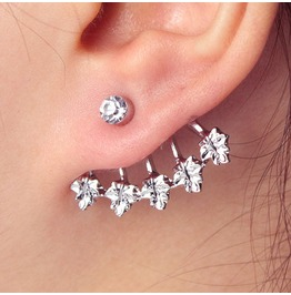 Maple Leaf Ear Stud W/ Crystals Silver