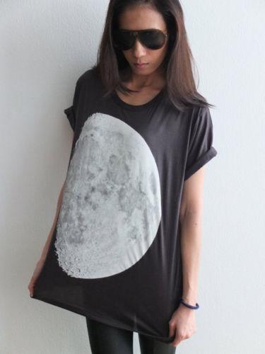 moon_star_cluster_galaxy_universe_sci_fiction_pop_rock_t_shirt_m_t_shirts_2.JPG