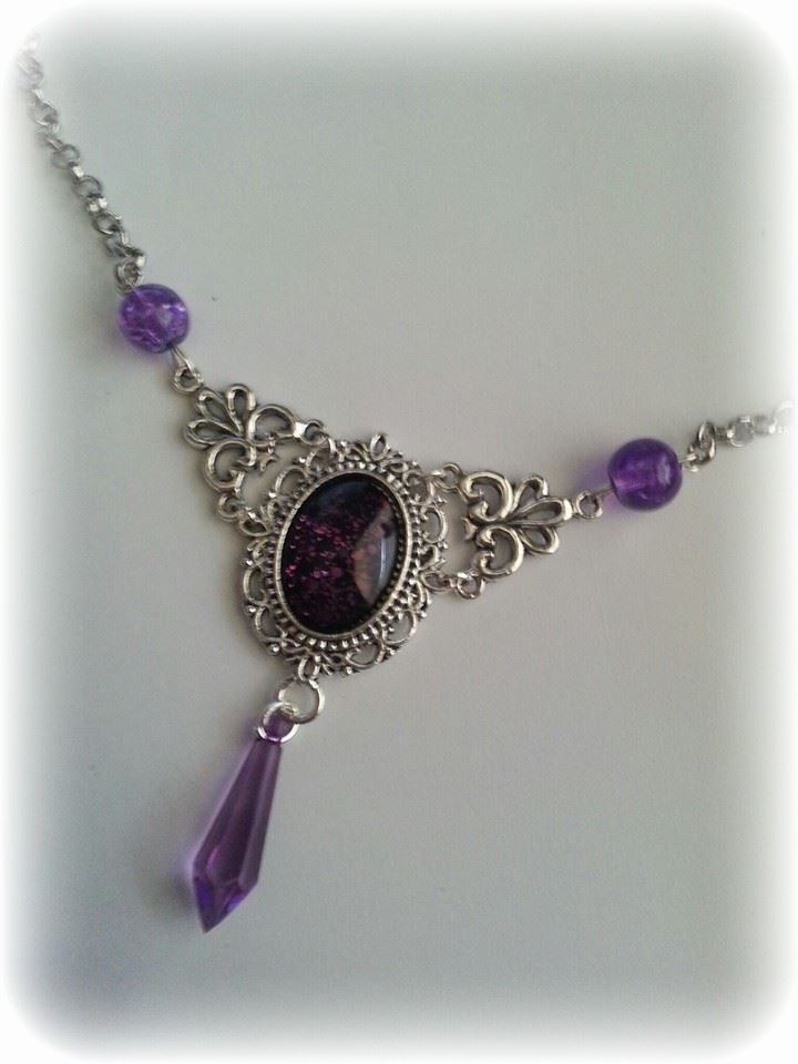 purple_necklace_crackle_beads_necklaces_2.jpg