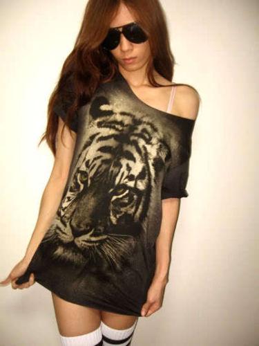 tiger_animal_new_wave_punk_rock_wolf_t_shirt_low_cut_m_shirts_3.JPG
