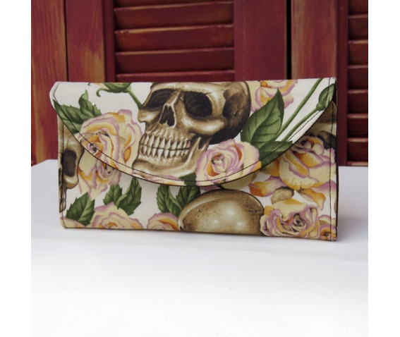 skulls_bed_roses_wallet_yellow_wallets_and_money_clips__5.jpg