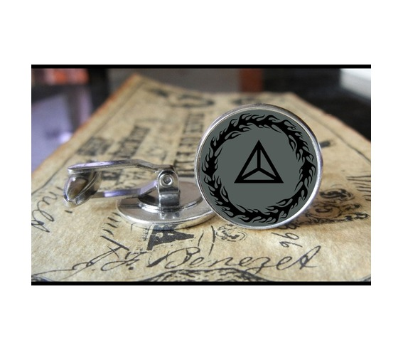 mudvayne_triangle_new_logo_cuff_links_men_weddings_grooms_groomsmen_gifts_dads_graduations_cufflinks_6.jpg