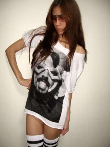 dave_grohl_foo_fighters_nirvana_drummer_pop_rock_low_cut_m_t_shirt_shirts_3.JPG
