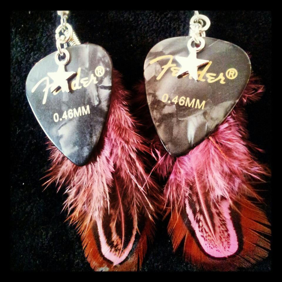 925_silver_feather_guitar_pick_earrings_earrings_2.jpg
