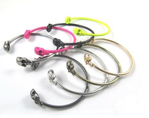 punk_style_rock_skull_metal_bracelet_cuff_wrist_cool_vintage_bangle_bangle_black_color_earrings_5.jpg