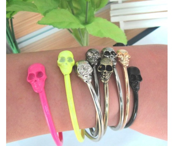 punk_style_rock_skull_metal_bracelet_cuff_wrist_cool_vintage_bangle_bangle_gun_black_color_earrings_5.jpg