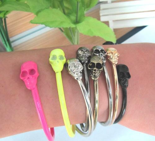 punk_style_rock_skull_metal_bracelet_cuff_wrist_cool_vintage_bangle_bangle_gun_black_color_earrings_5.jpg