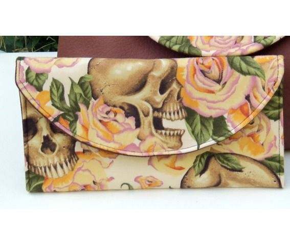 skulls_bed_roses_wallet_yellow_wallets_and_money_clips__3.jpg