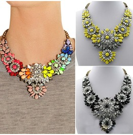 Hot Selling Mixed Style Chain Crystal Flower Bib Big Statement Necklace Trendy Multi Color