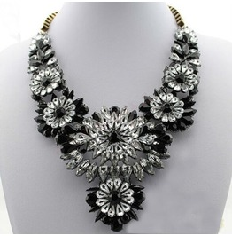 Hot Selling Mixed Style Chain Crystal Flower Bib Big Statement Necklace Trendy Black Color