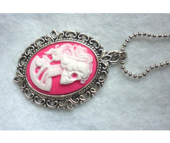 dead_lady_necklace_white_pink_color_skull_skeleton_halloween_necklaces_4.JPG
