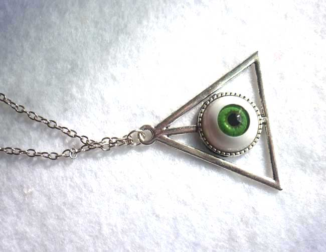 nec_deum_nec_dominum_green_eye_long_necklace_esoteric_evil_witch_halloween_wicca_necklaces_5.JPG
