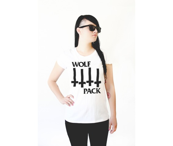 womens_wolf_flag_tshirt_t_shirts_2.jpg