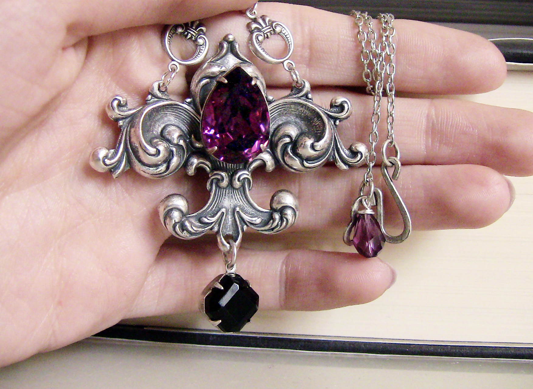 fleur_de_lys_necklace_black_purple_swarovski_crystals_necklaces_4.jpg