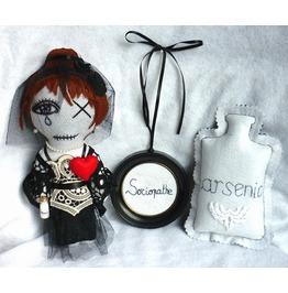 Kit Poisoner Girl Black Widow Serial Killer Psychopath Sociopath Gothic Dark Doll Gift Set Macabre Arsenic Poison Weird Oddities