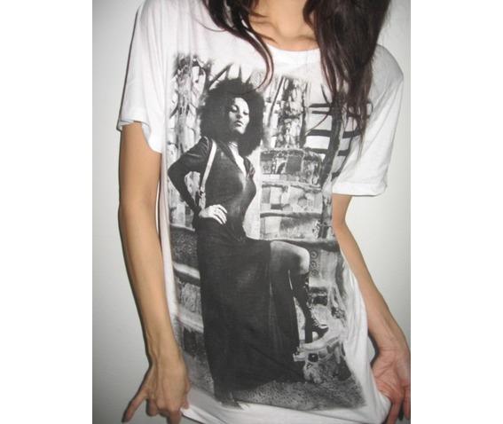 pam_grier_funk_soul_sister_70s_black_film_fashion_t_shirt_m_shirts_3.JPG