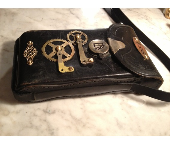 i_gearz_steampunk_adventure_case_small_size_antique_leather_carry_case_bag_p_386_bags_and_backpacks_10.JPG