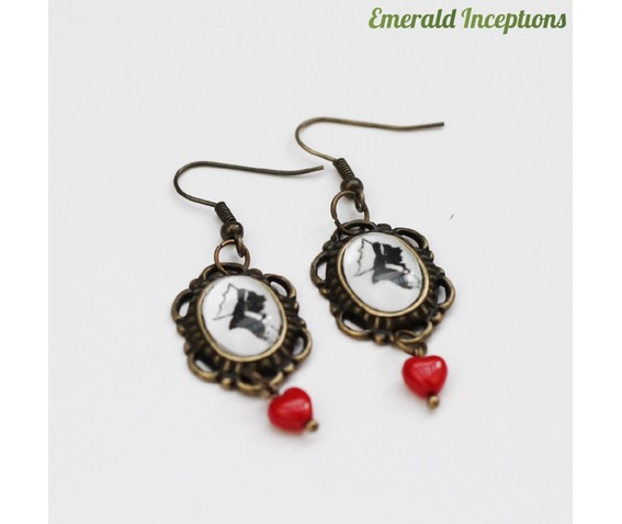 red_queen_heart_alice_wonderland_earrings_earrings_3.JPG