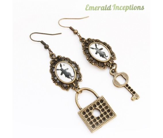 rabbit_hare_key_lock_wonderland_earrings_earrings_3.JPG