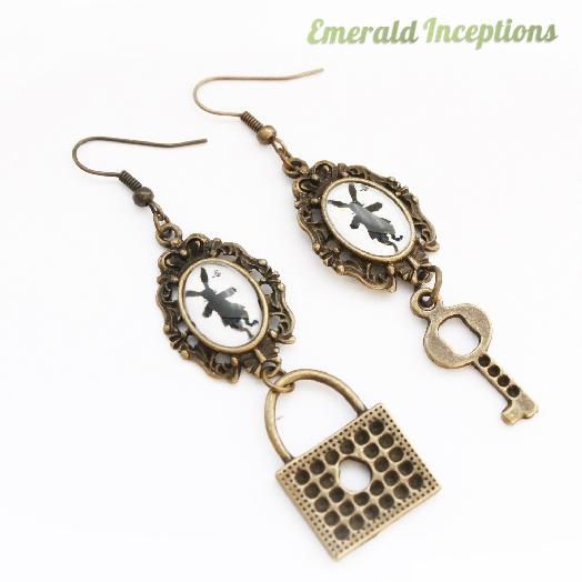 rabbit_hare_key_lock_wonderland_earrings_earrings_3.JPG