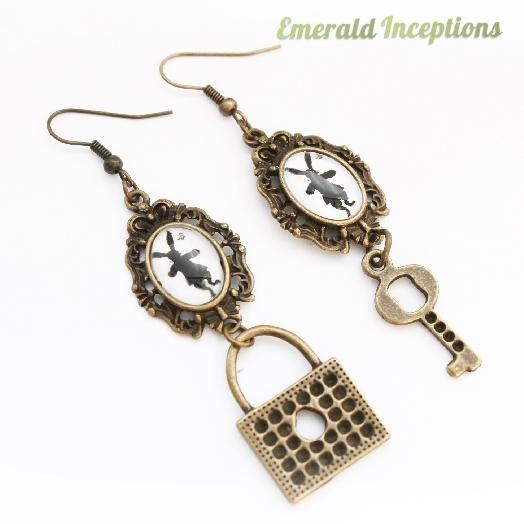 rabbit_hare_key_lock_wonderland_earrings_earrings_2.JPG