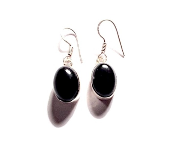 enchanting_925_silver_onyx_oval_design_earrings_earrings_2.jpg