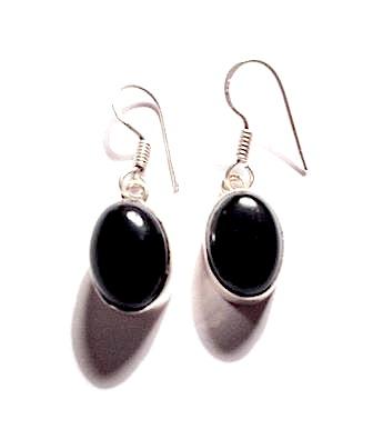 enchanting_925_silver_onyx_oval_design_earrings_earrings_2.jpg