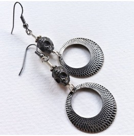 Creepy Chic Skull Earrings