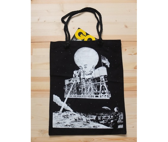 astronaut_man_work_on_the_moon_pop_rock_tole_bag_purses_and_handbags_4.jpg