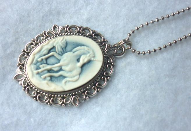 blue_white_victorian_unicorn_necklace_elvish_victorian_gothic_wedding_shabby_necklaces_4.JPG